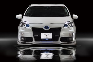 w800_prius_rr-gt_front